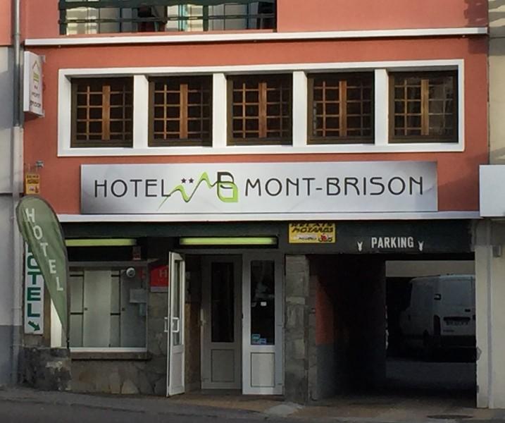 facade-hotel-156